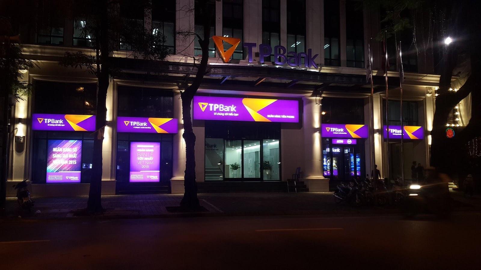 biển hiệu ngân hàng TP Bank